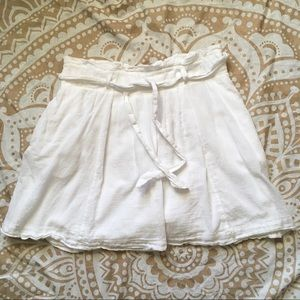 SALE! ☁️ Old Navy Flowy White Skirt ☁️